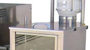 Fume extraction hood attachement includes fan