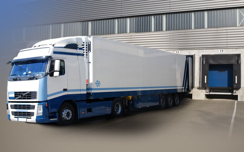 Transport - LKW an Rampe